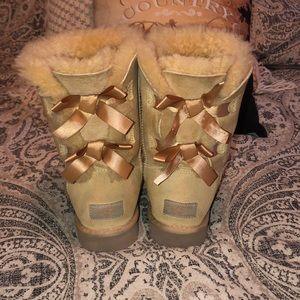 Women's Bailey Bow Uggs
